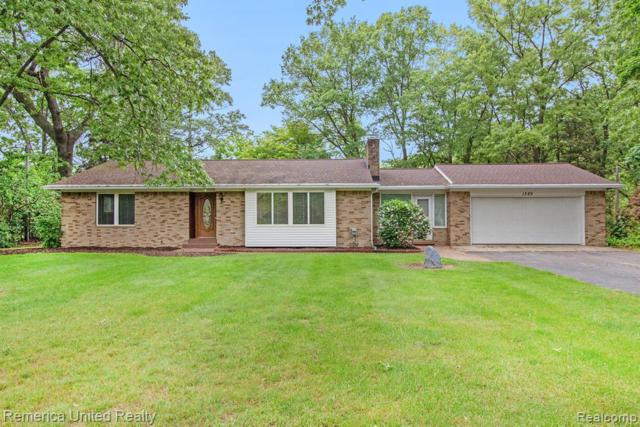 1389 Crestwood Lane, Howell Twp, MI 48843 (#219054625) :: The Alex Nugent Team | Real Estate One