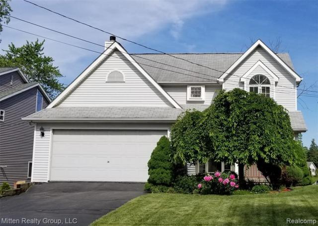 1440 Otter Avenue, Waterford Twp, MI 48328 (#219056427) :: GK Real Estate Team