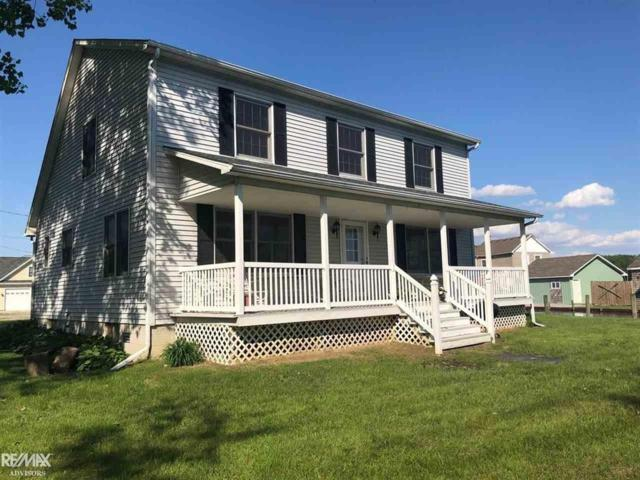 8414 South Channel, Clay Twp, MI 48028 (#58031383496) :: GK Real Estate Team