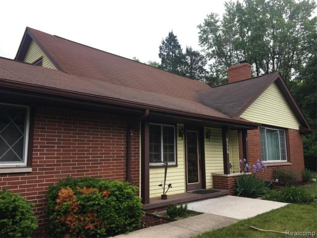 4550 Lakeshore Rd, Fort Gratiot Twp, MI 48059 (#219056865) :: The Buckley Jolley Real Estate Team