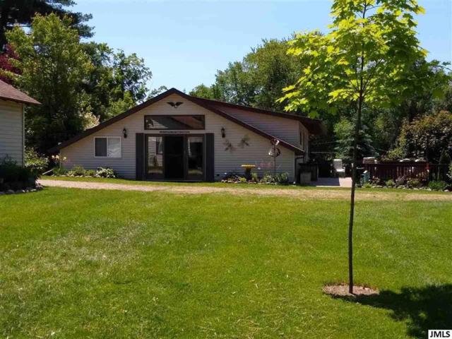 10754 Dwight St, Chippewa, MI 49342 (#55201902053) :: Team Sanford