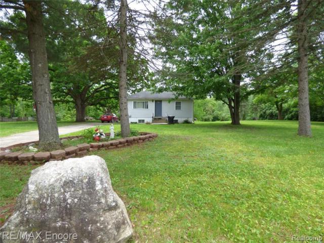 8891 Crosby Lake Road, Springfield Twp, MI 48346 (#219057758) :: The Mulvihill Group