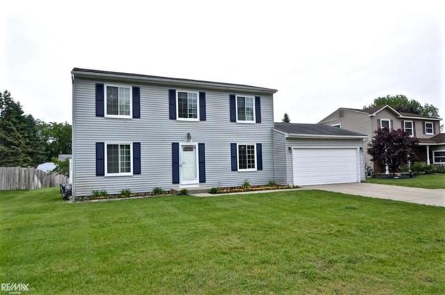 1045 Meadowcrest, Waterford, MI 48327 (#58031383836) :: GK Real Estate Team