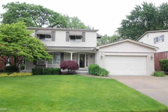 23285 Robert John St, Saint Clair Shores, MI 48080 (#58031383894) :: The Alex Nugent Team | Real Estate One