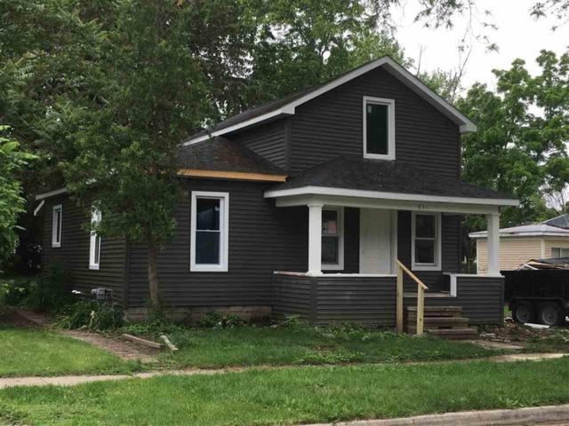 631 N Hickory St, Owosso, MI 48867 (#5031383895) :: The Alex Nugent Team | Real Estate One