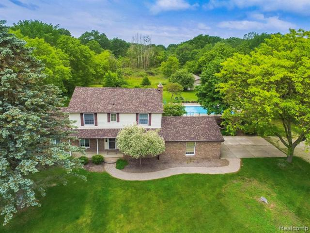 8105 Linden Road, Tyrone Twp, MI 48430 (#219058907) :: The Alex Nugent Team | Real Estate One