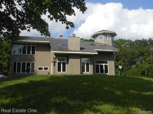 7700 Pontiac Lake Road, White Lake Twp, MI 48386 (#219059912) :: RE/MAX Classic