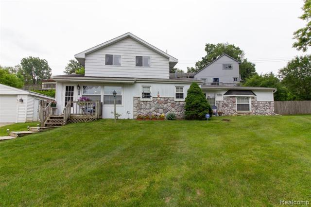 4959 Lakeview Boulevard, Independence Twp, MI 48348 (#219059974) :: GK Real Estate Team