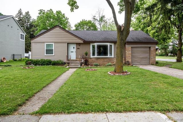 2897 Yorkshire Road, Birmingham, MI 48009 (#219060065) :: Team Sanford
