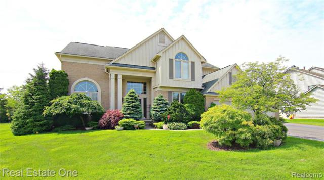 5069 Village Commons Drive, West Bloomfield Twp, MI 48322 (#219061028) :: Team Sanford