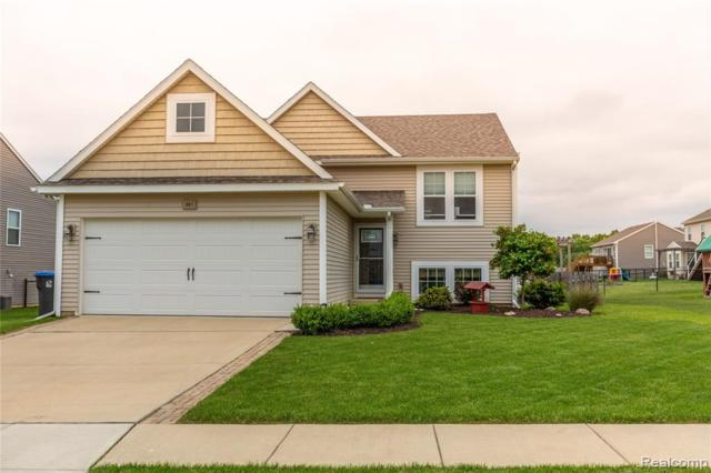 387 Sunbury Drive, Howell Twp, MI 48855 (#219062382) :: The Alex Nugent Team | Real Estate One