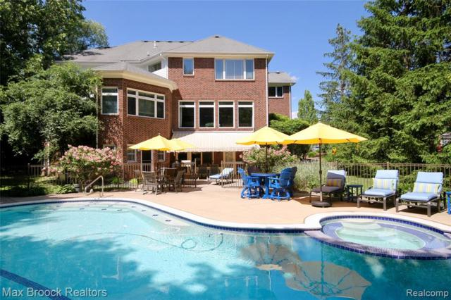 4463 Forestview Drive, West Bloomfield Twp, MI 48322 (#219062442) :: RE/MAX Classic