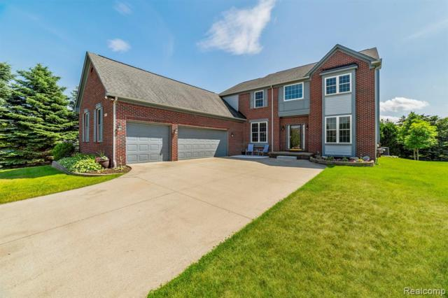 220 Aspen Lane, Oxford Vlg, MI 48371 (MLS #219062979) :: The Toth Team