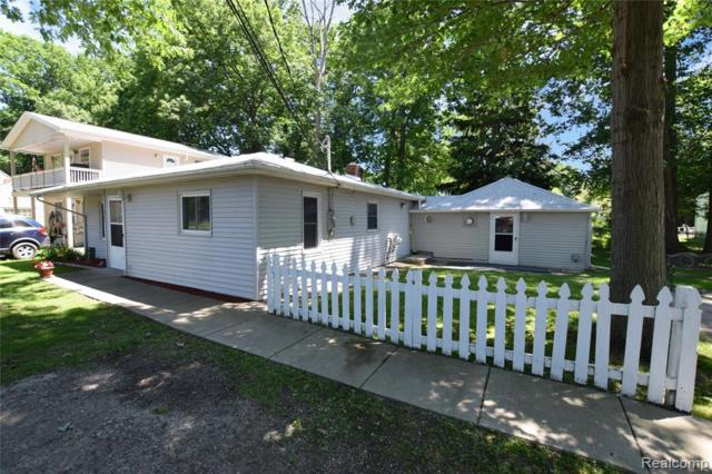 1513 East Drive, Flint Twp, MI 48532 (MLS #219063088) :: The Toth Team