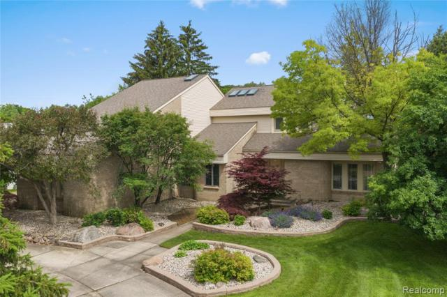 2136 Fawnwood Way, West Bloomfield Twp, MI 48302 (#219063749) :: RE/MAX Classic