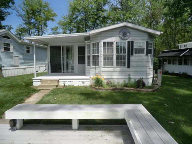 706 Bayside Ln, Kinderhook Twp, MI 49036 (#62019030239) :: GK Real Estate Team