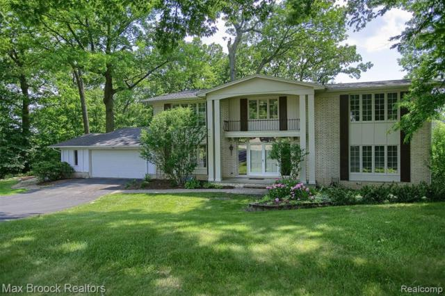 3171 Bloomfield Shore Drive, West Bloomfield Twp, MI 48323 (#219064705) :: RE/MAX Classic