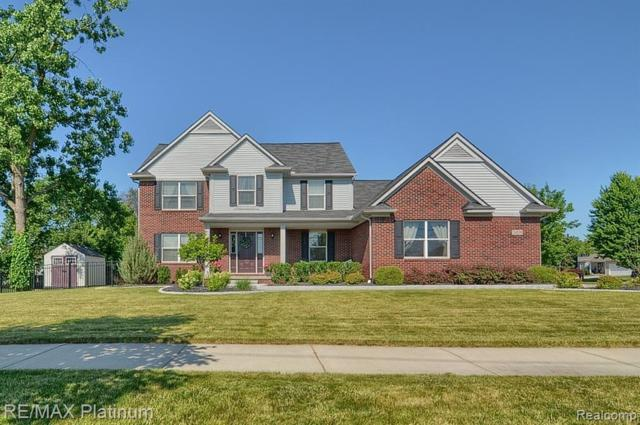 24579 Martindale Road, South Lyon, MI 48178 (#219066105) :: The Buckley Jolley Real Estate Team