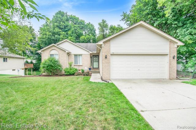 70 Powell St, Oxford Vlg, MI 48371 (MLS #219068048) :: The Toth Team