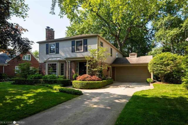 75 Hall Place, Grosse Pointe Farms, MI 48236 (MLS #58031386813) :: The Toth Team