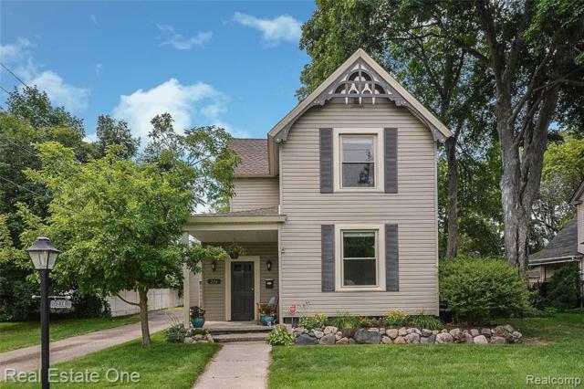 216 Hesse Street, Howell, MI 48843 (#219068186) :: The Buckley Jolley Real Estate Team