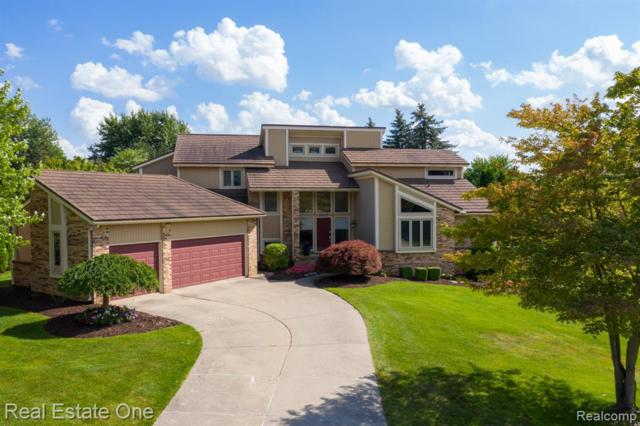 2517 Topsham Drive, Rochester Hills, MI 48306 (#219068201) :: The Alex Nugent Team | Real Estate One
