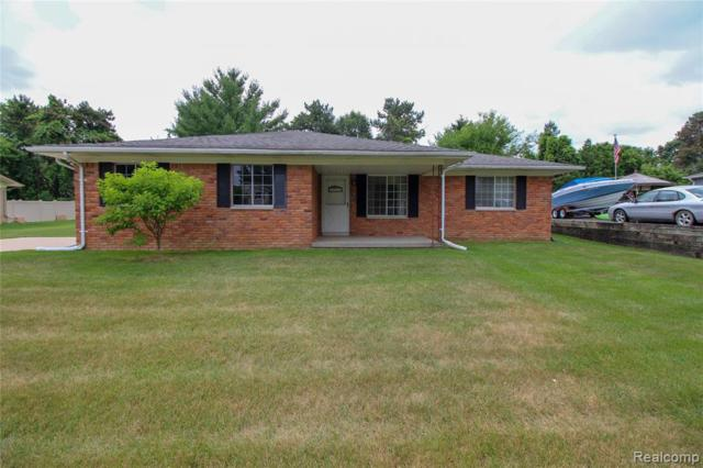 1474 Russ Roy Court, White Lake Twp, MI 48383 (#219068332) :: Team DeYonker
