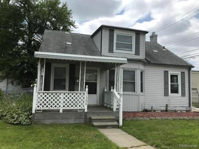 21508 Finlan Street, Saint Clair Shores, MI 48080 (#219068729) :: The Mulvihill Group