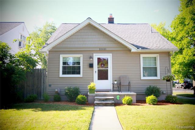 2221 E Lincoln Avenue S, Royal Oak, MI 48067 (#219069518) :: The Alex Nugent Team | Real Estate One