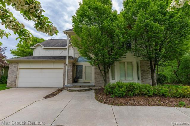 5854 Three Ponds Court, West Bloomfield Twp, MI 48324 (#219069812) :: The Alex Nugent Team | Real Estate One
