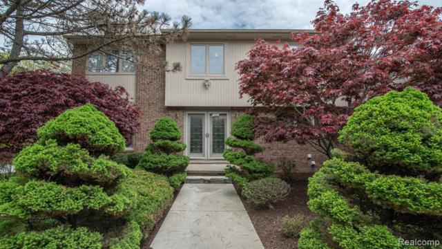 5483 Pond Bluff Court, West Bloomfield Twp, MI 48323 (MLS #219069826) :: The Toth Team