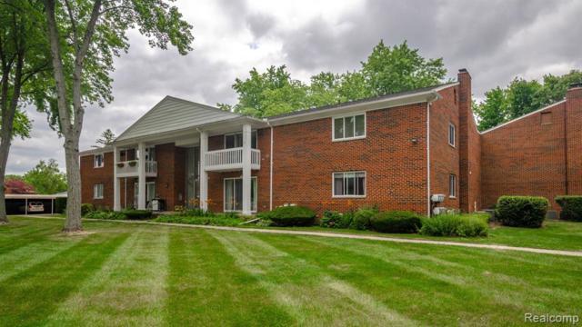 42450 Sheldon Pl, Clinton Twp, MI 48038 (#219069835) :: The Buckley Jolley Real Estate Team