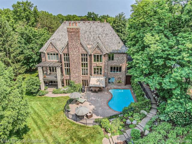 2940 Orchard Pl, Orchard Lake Village, MI 48324 (#219069855) :: The Buckley Jolley Real Estate Team