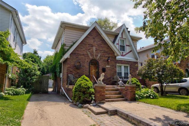 2410 Yale Avenue, Royal Oak, MI 48067 (#219069887) :: The Alex Nugent Team | Real Estate One