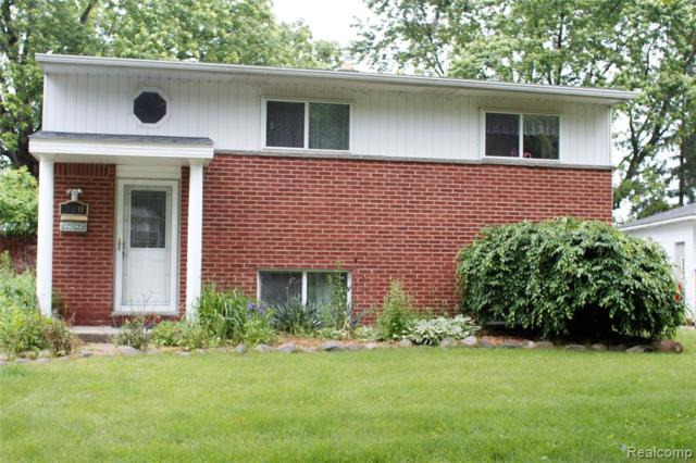 718 Panorama Drive, Milford Vlg, MI 48381 (#219069964) :: The Buckley Jolley Real Estate Team