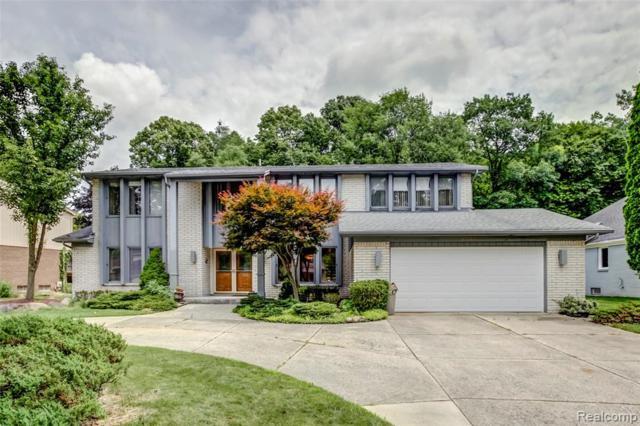 6929 Indian Creek Drive, West Bloomfield Twp, MI 48322 (#219070128) :: The Buckley Jolley Real Estate Team