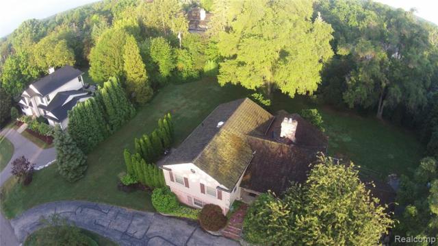 135 Harlan Drive, Bloomfield Hills, MI 48304 (#219070148) :: GK Real Estate Team