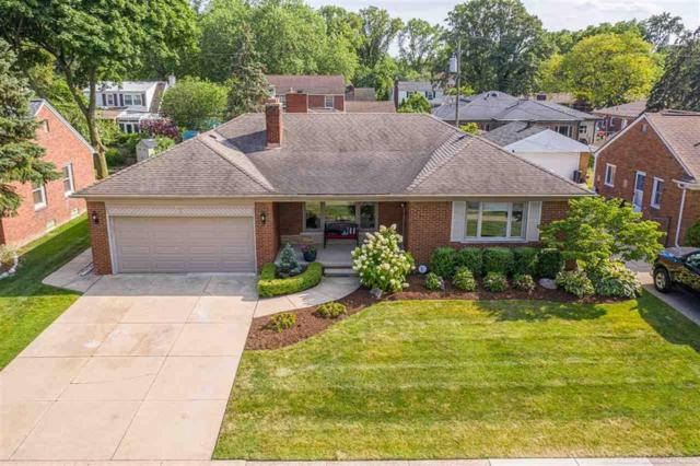875 N Brys, Grosse Pointe Woods, MI 48236 (#58031387378) :: The Mulvihill Group