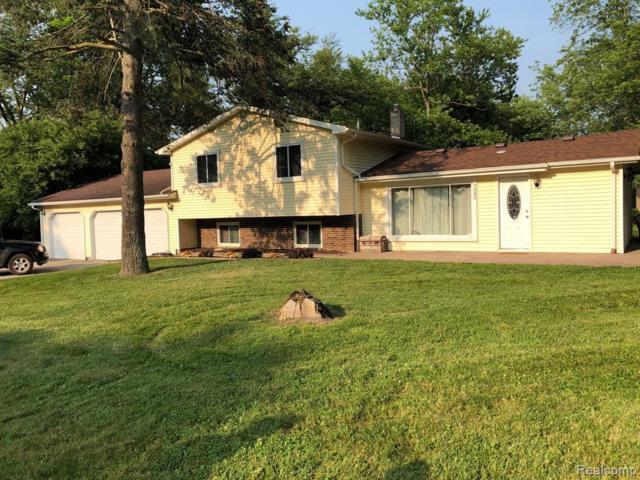 7980 Oak Hill Road, Brandon Twp, MI 48348 (#219070305) :: RE/MAX Classic