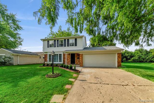 29117 Southgate Drive, Southfield, MI 48076 (#219070343) :: The Buckley Jolley Real Estate Team