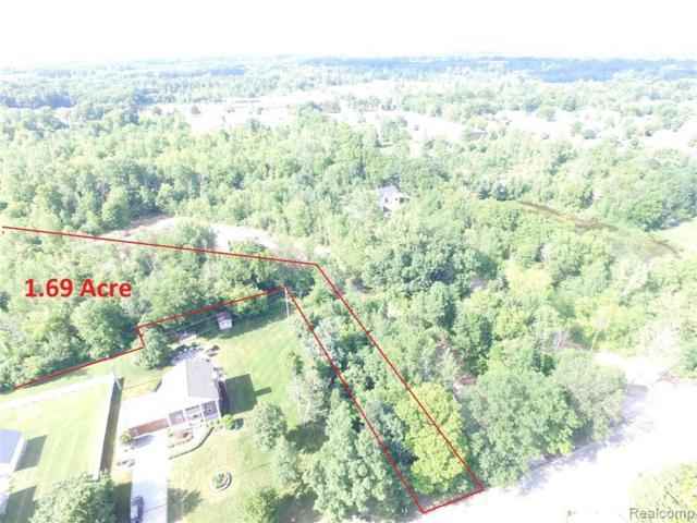 2182 Wiggins Road, Fenton Twp, MI 48430 (#219071260) :: The Buckley Jolley Real Estate Team