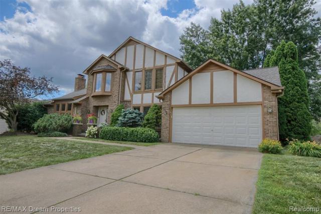 15043 Woodside Drive Drive, Livonia, MI 48154 (#219071355) :: Team Sanford
