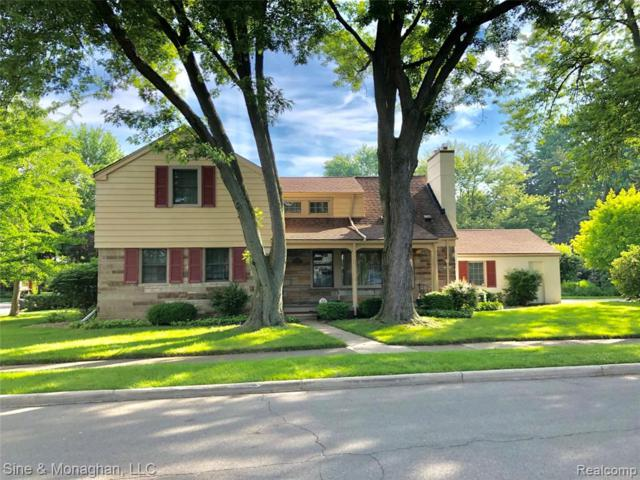 36 Radnor Circle, Grosse Pointe Farms, MI 48236 (#219071783) :: The Buckley Jolley Real Estate Team