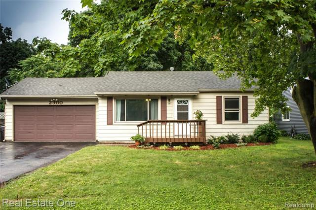 2300 Maplecrest Drive, Waterford Twp, MI 48327 (#219072231) :: The Alex Nugent Team | Real Estate One