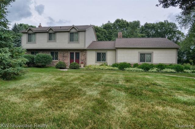 5100 Juniper Drive, Commerce Twp, MI 48382 (#219072314) :: Team Sanford