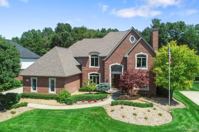 2599 Pebble Beach Drive, Oakland Twp, MI 48363 (#219073260) :: The Buckley Jolley Real Estate Team