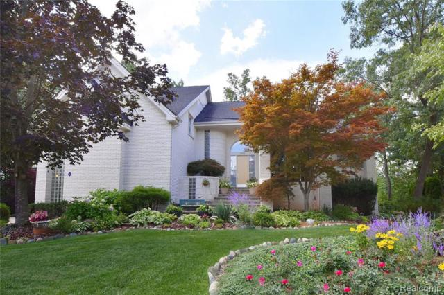 5753 Royal Wood, West Bloomfield Twp, MI 48322 (#219073568) :: Team Sanford
