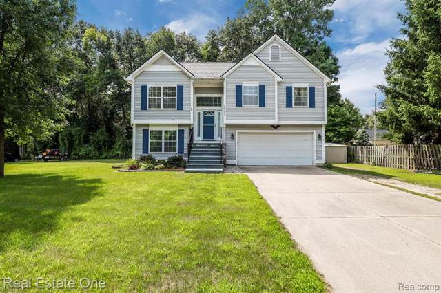 1731 Charms Road, Wixom, MI 48393 (#219075794) :: The Alex Nugent Team | Real Estate One