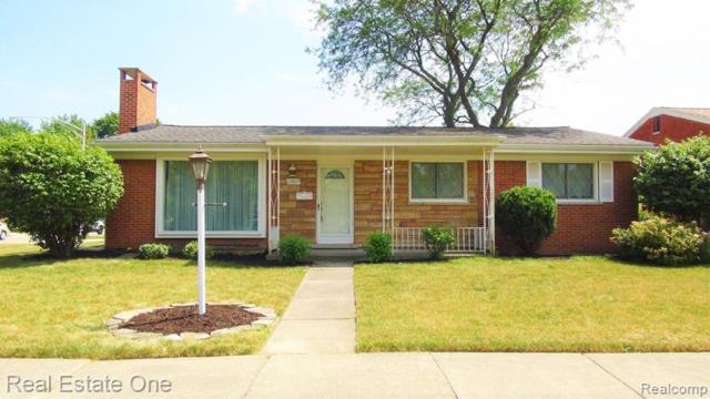 13809 Stratford, Riverview, MI 48193 (#219076167) :: The Mulvihill Group