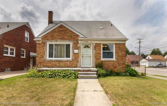 7755 Chase Road, Dearborn, MI 48126 (#219076252) :: The Buckley Jolley Real Estate Team